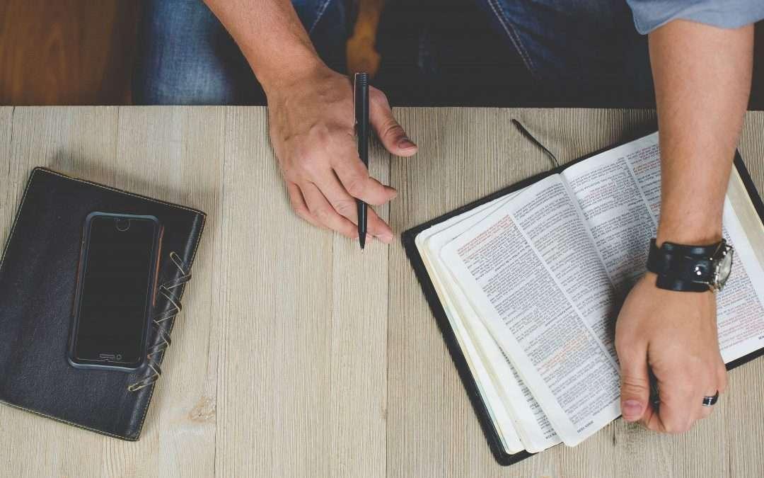 O que se estuda em teologia?